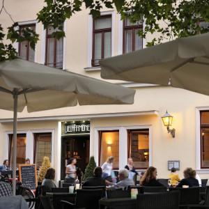 Eine der Gastronomien am Bankplatz: Die Vielharmonie. Foto: Daniel Möller
