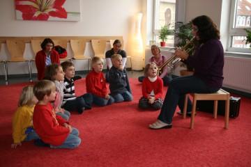 Musikalische Früherziehung ist nur eines der vielen Angebote der Akademie. Foto: Musische Akademie
