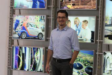 Richard Frehe analysiert und optimiert Prozesse im Bereich Dienstleistungen bei BS|ENERGY. Foto: Jan Engelken